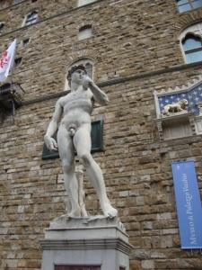 A réplica, exposta ao lado do Palazzo Vecchio